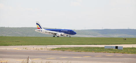 Air Moldova resumes flights to the UK